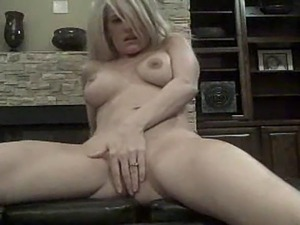 web cam picture blonde