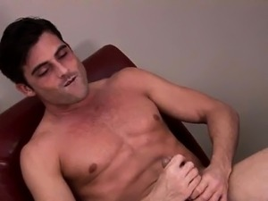 Solo muscly hunk jerks his dick