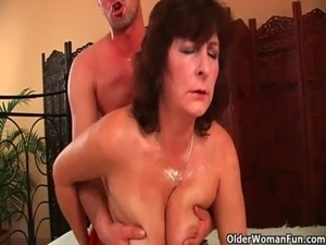 mature moms fuck young men