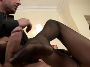 amateur nylon footjob videos