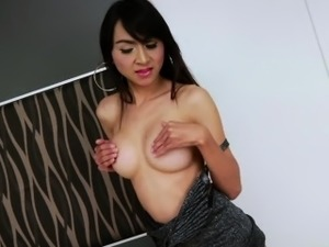 asian ladyboy blow job video