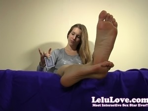 girl gets foot jammed in pussy