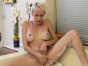 naked sexy women mature cum