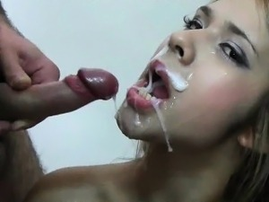 Blonde hoe gets mouth filled with bukkake