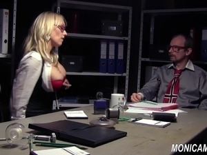 free pictures of celebrities tits