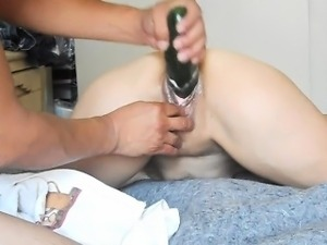 girls geting fist in the ass