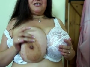 huge mature tits vids