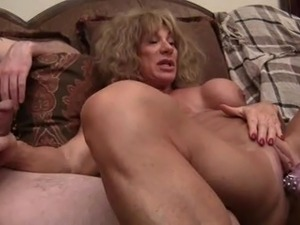 very muscular women eating pussy videos