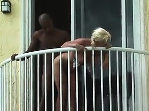 free blonde tits video