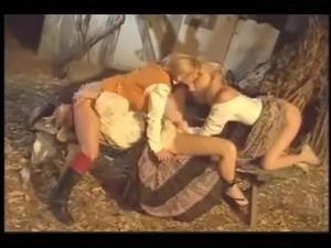 lesbian strapon porn