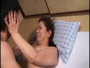 amateur naked mom video