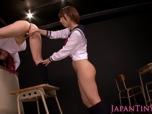 japanese lesbian beauties eating pussy