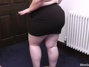 up skirt fat pussy