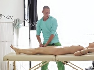 massage ass hot girl