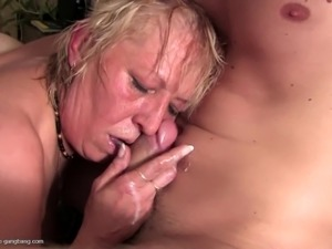 unfullfilled kinky sex of common housewives