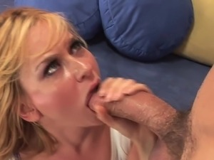 free sexy babes swallowing