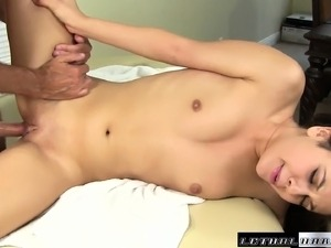 japaness ass massage