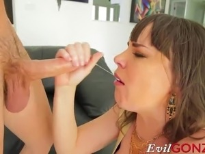 expanding the asshole for anal sex
