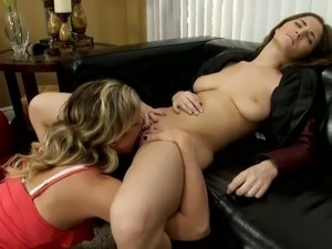 mom and daughter licking pussy