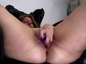 sexy mature mom galleries