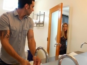 video girlshows pussy in the bathroom