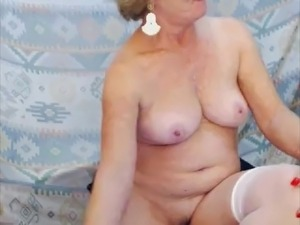 mature cybering on webcam