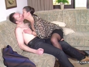 stepmom Seduce Step-Son to Fuck her While dad away