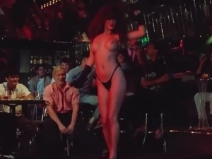 amateur naked girls dancing