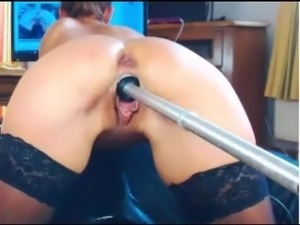 spreading pussy fucking machine video