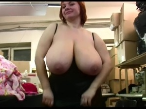 girl with saggy breasts