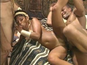 milfs brazil group sex