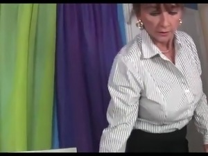 sexy mommy handjob stories