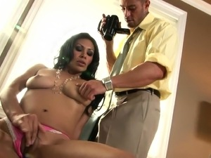 video milf seducing young girls