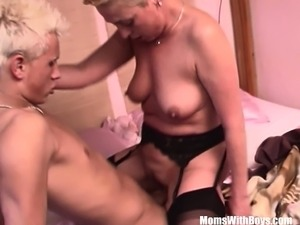 mature hairy pussy vids