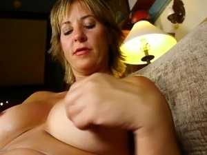 free hot young mom vids