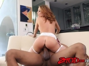 sexy girl has orgasm video