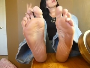 sexy deep troat foot worship girls
