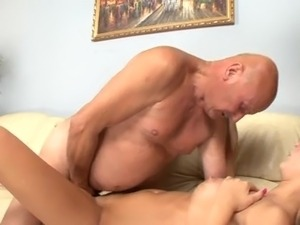 man watching wife eat pussy