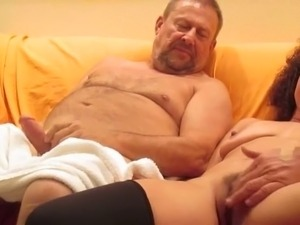 advice on first time bisexuak threesome