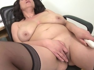 natural tits young mature
