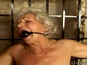 mature granny sucks pornography videos