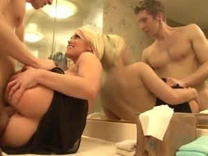 Sexy Hot Blonde Fucks Then Sucks Off Her Neighbor