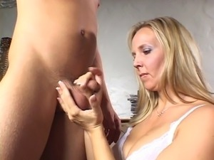 giving a girl squirting orgasm