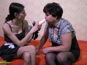 tube gals oung and mature lesbian