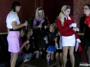young girls piss her pants