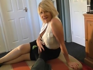 red hot sex videos of moms