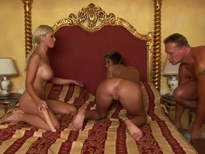 Amateur threesome vids