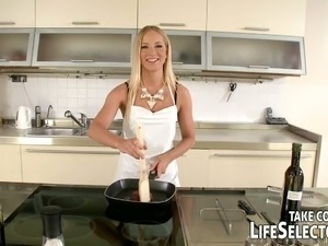 mature women kitchen sex
