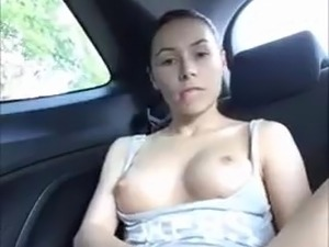 girll fuck herself in car