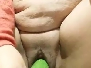 girls fingering iwht cucumber